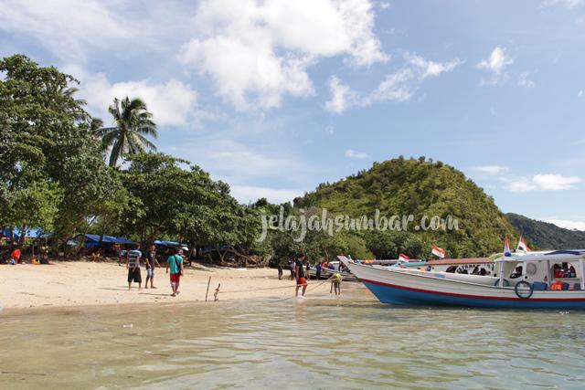 Pulau_setan_mandeh