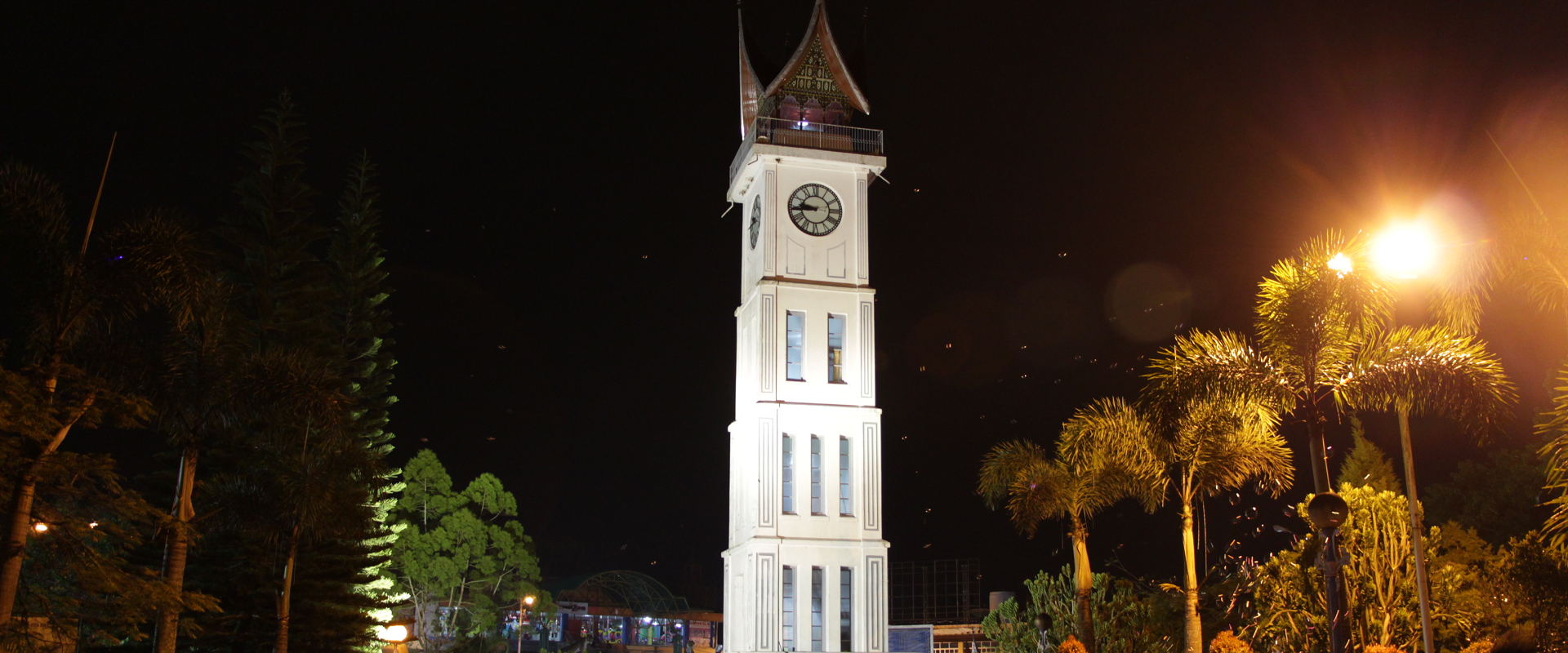 Paket Tour Padang 2 Hari 1 Malam : Akhir Pekan di Bukitttinggi