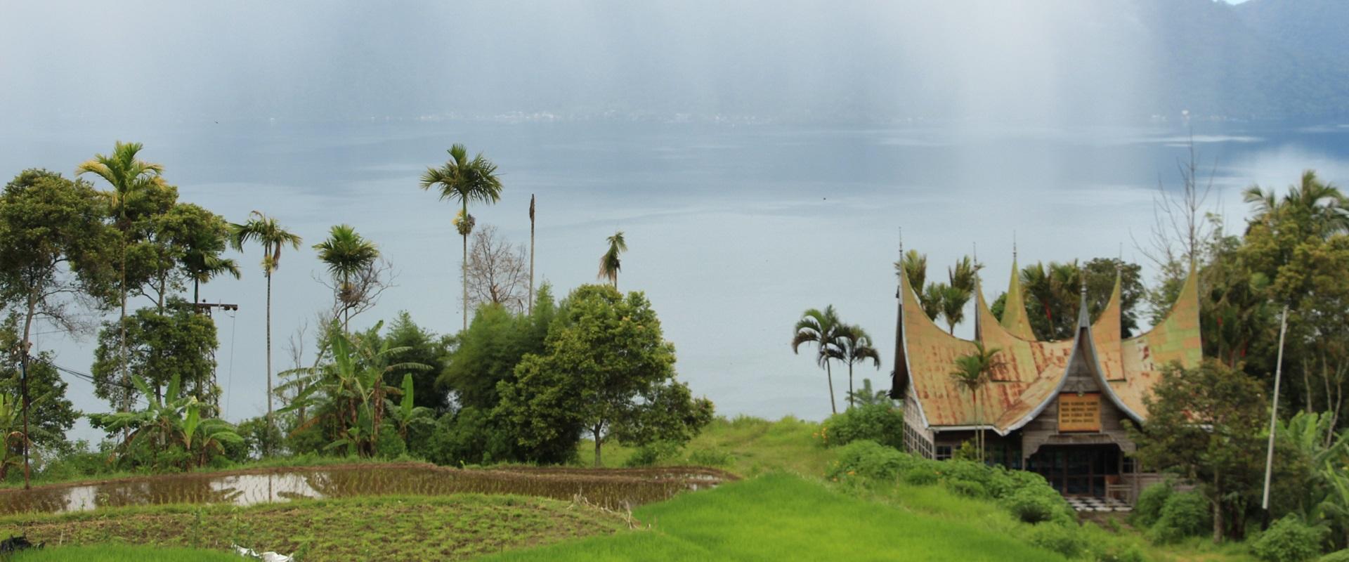 Paket Sumbar 3D2N : Bukittinggi – Danau Maninjau