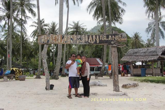 wisata_keluarga_di_pulau_pasumpahan