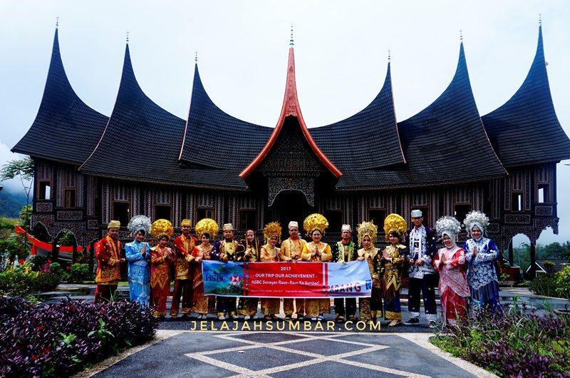 company_gathering_hsbc_senayan_di_padang