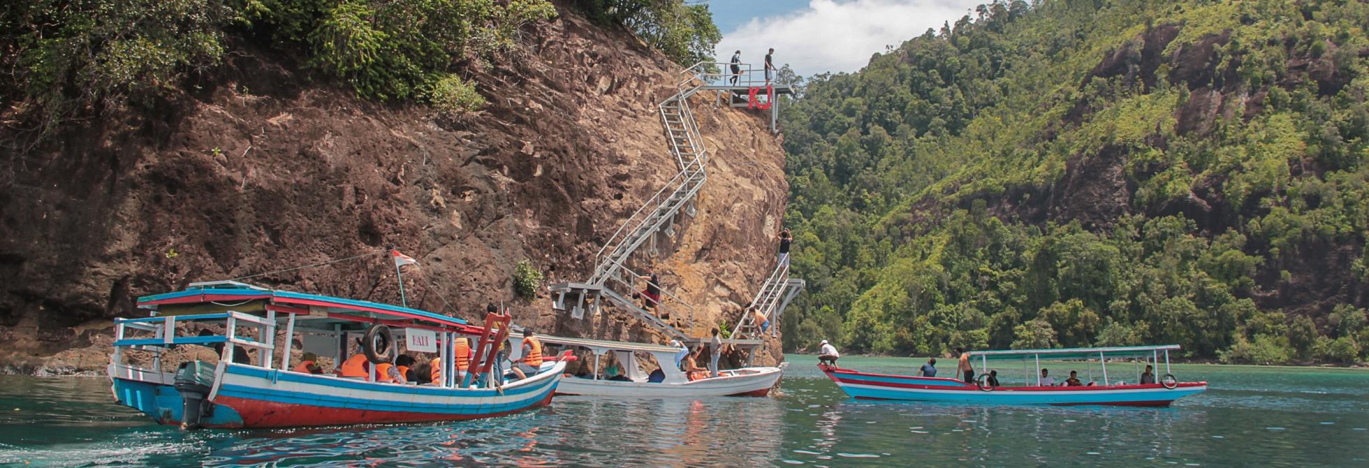 Paket Tour Wisata Mandeh – Bukittinggi – Lembah Harau 3D2N B
