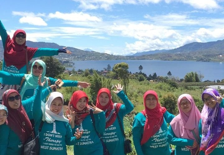paket wisata danau kembar padang bukittinggi