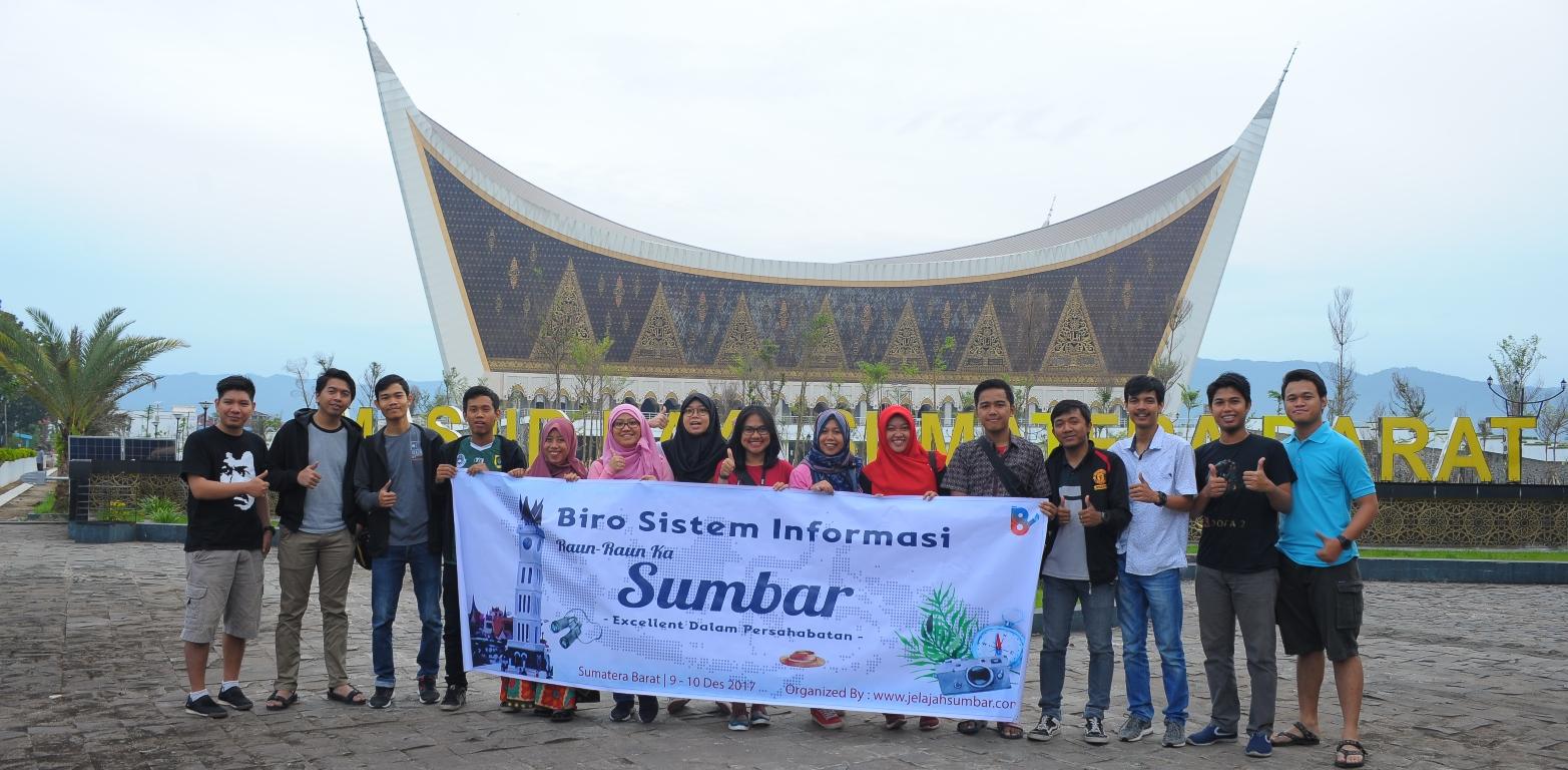 Paket Tour Padang – Bukittinggi – Lembah Harau 3D2N C
