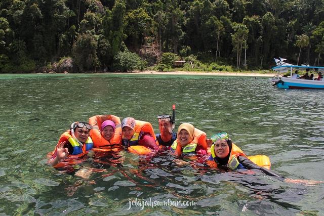 snorkeling di Pulau Mandeh