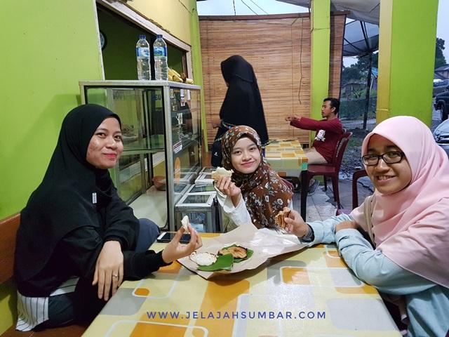 kue_bika_minang