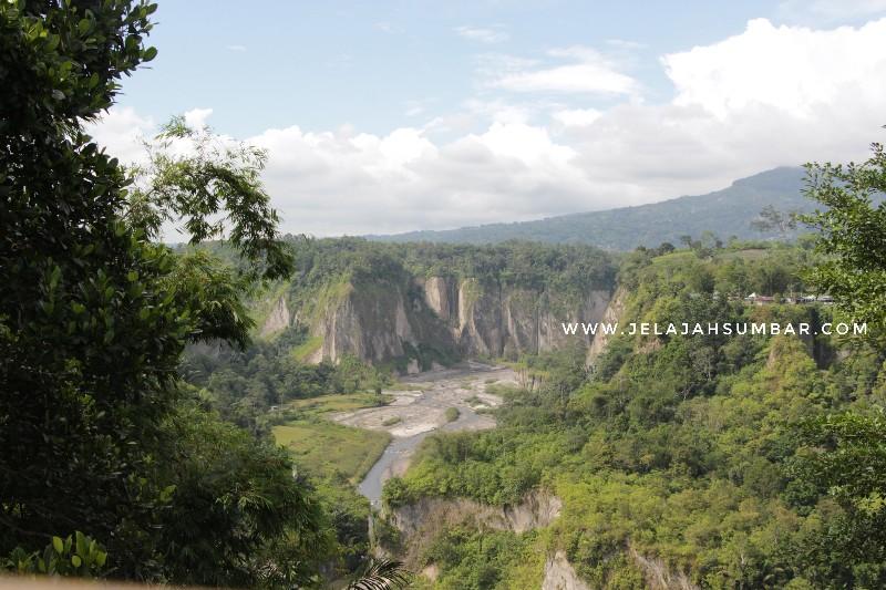 sungai di ngarai sianok